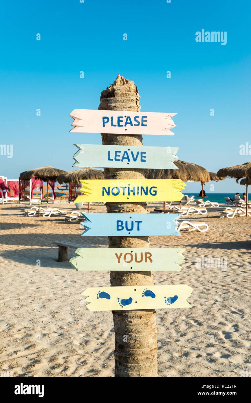 Strand In Der Nahe Von Al Fanar Hotel In Salalah Oman Dhofar