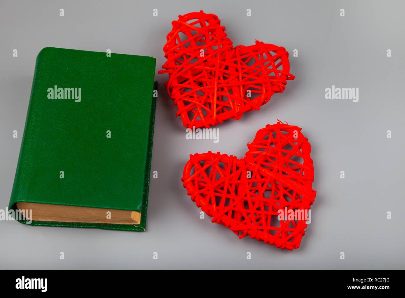 Buchen Sie Mit Romantischen Gedichte Und Zwei Herzen