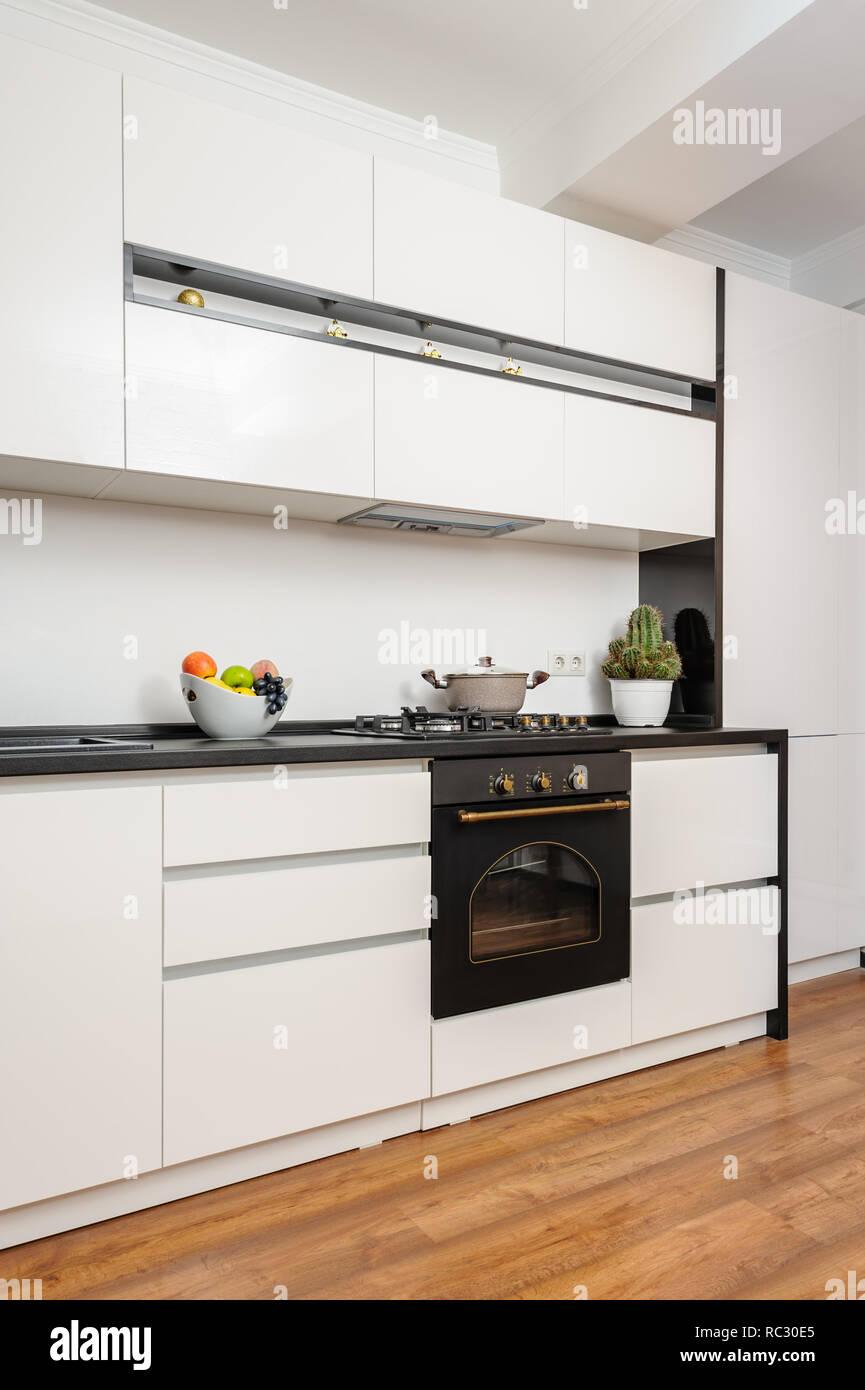 Modern Klassisch Schwarz und Weiß Küche Stockfoto, Bild ...