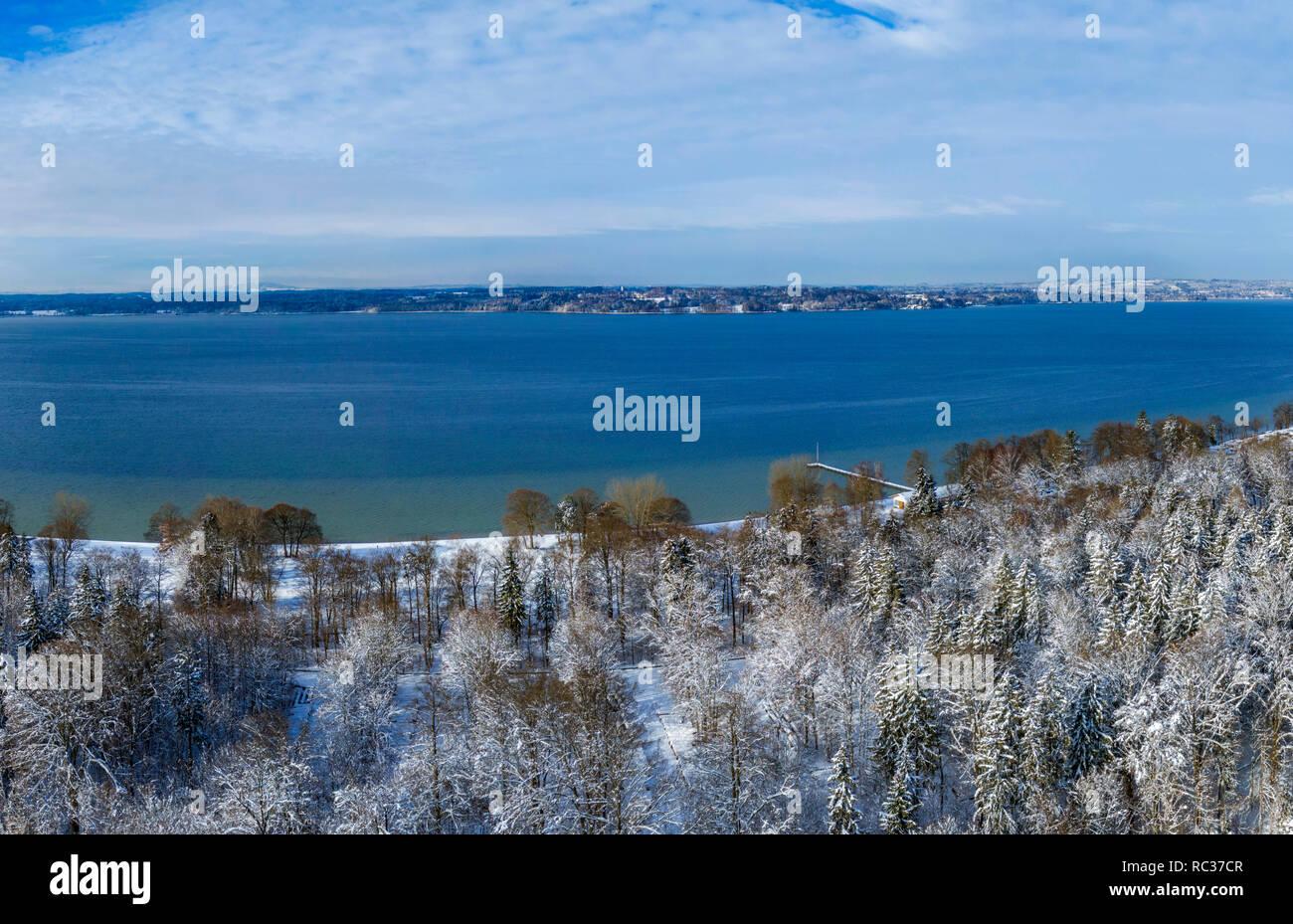 Winterlandschaft mit verschneiten Bäumen, Ambach am Starnberger See ...