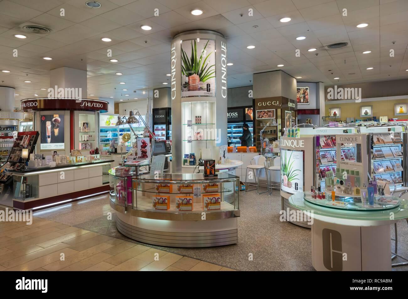 Kosmetik Abteilung in einem Kaufhaus, München, Oberbayern, Bayern, Deutschland Stockbild