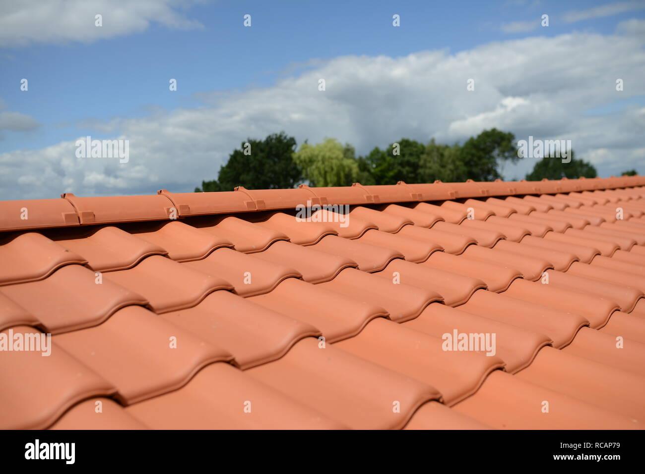 Relativ Dach Dachdeckung Stockfotos & Dach Dachdeckung Bilder - Alamy CD99