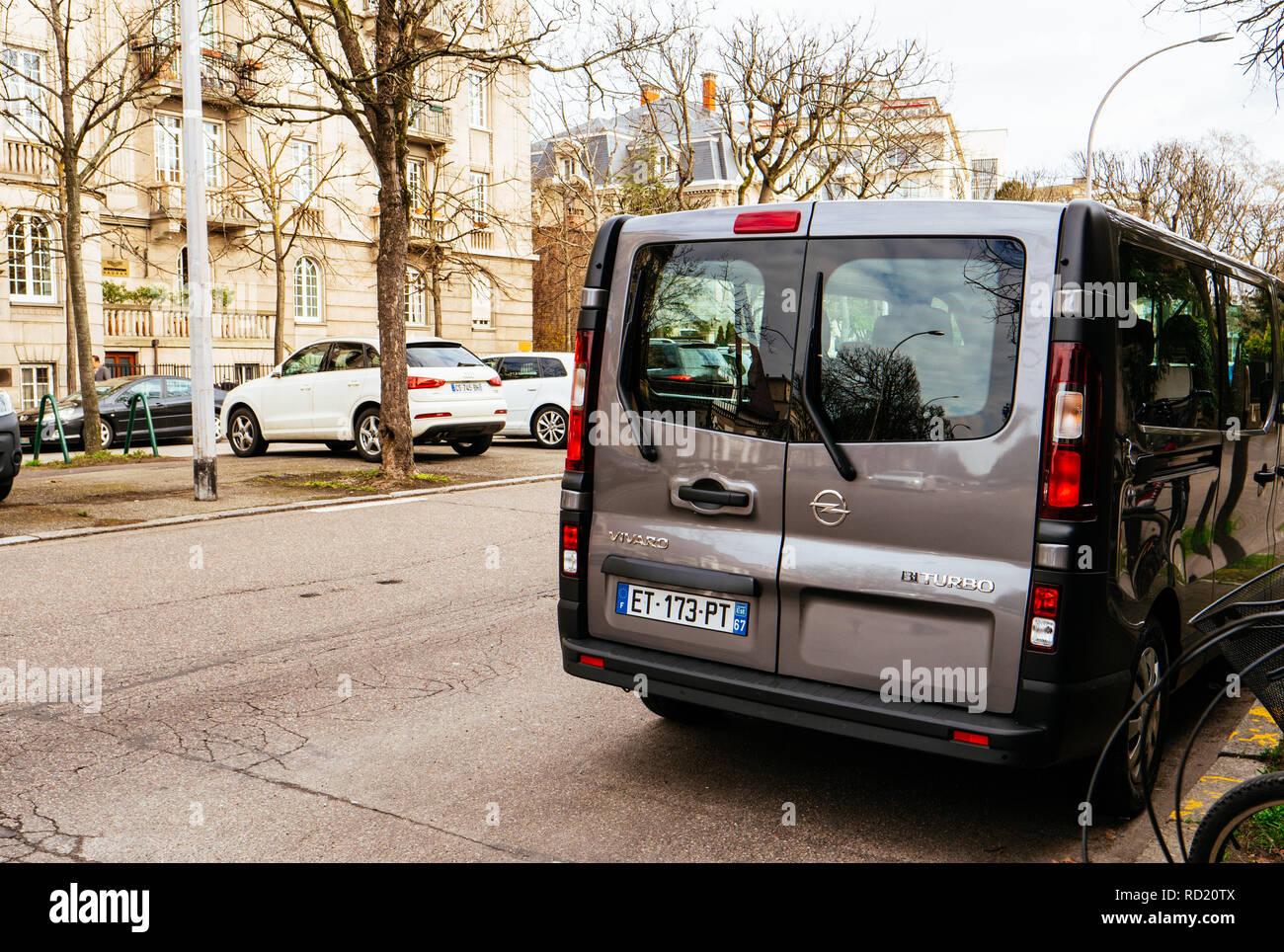 paris transportation bus street stockfotos paris. Black Bedroom Furniture Sets. Home Design Ideas