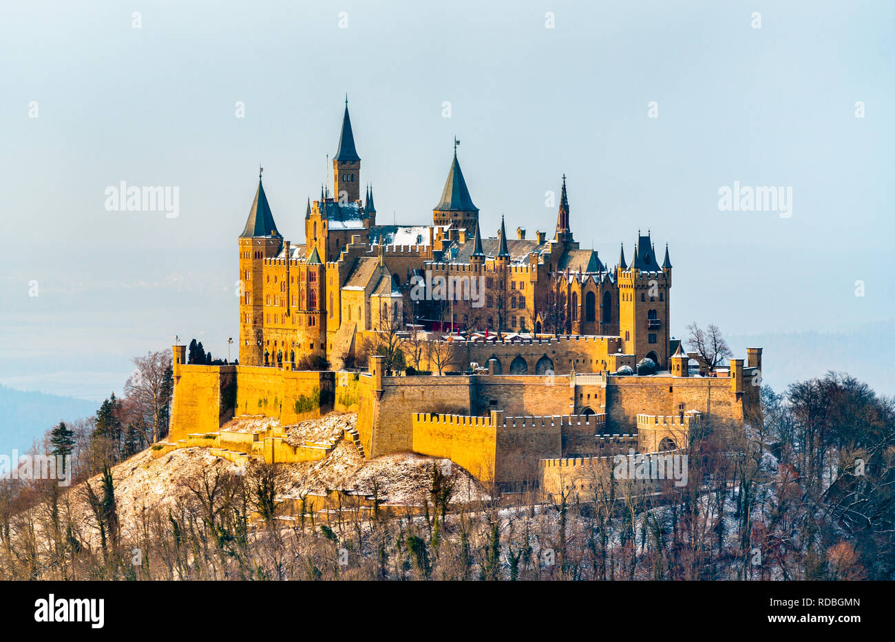 Hohenzollern Castle Snow Stockfotos Und Bilder Kaufen Alamy