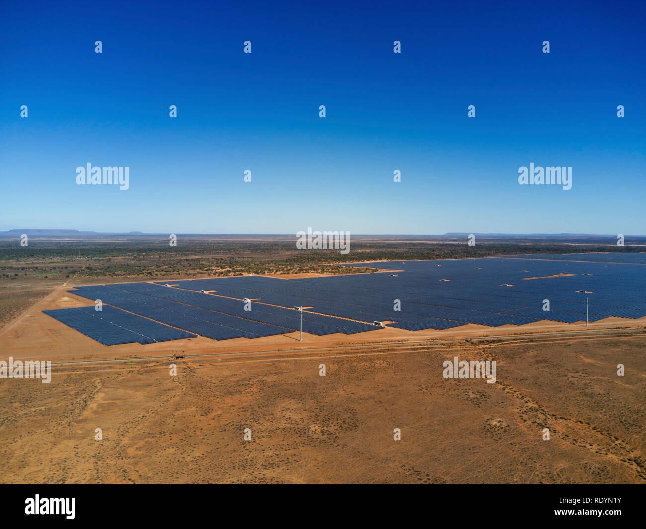 Bungala Solarparks (Dez. 2018) ist die grösste Solarpark in Australien mit einer Fläche von 800 Hektar. In der Nähe von Port Augusta South Australia Stockbild