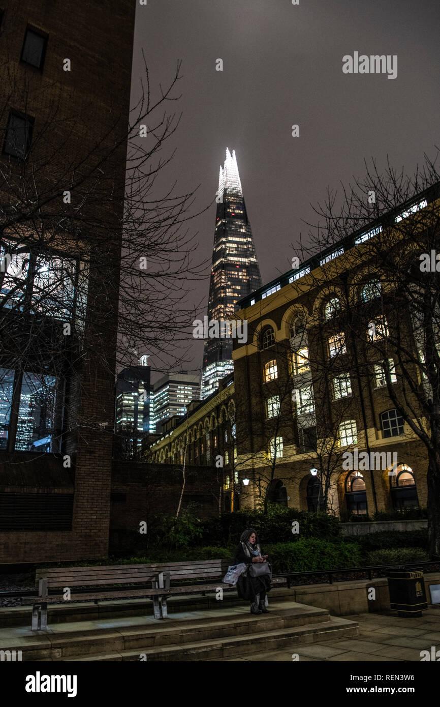 Der Shard, auch selten die Glasscherbe, Shard London Bridge und ehemals London Bridge Tower, ist ein 95-stöckiges supertall Skyscrap Stockfoto