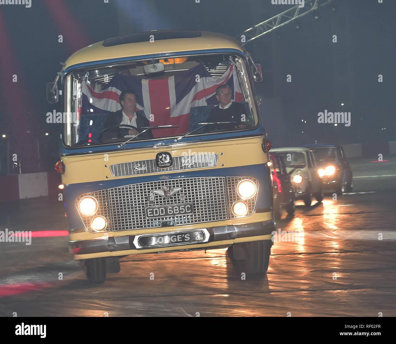 Bedford SB Duple Bella Vega, der italienischen Job, Bedford Coach, trbute auf der Live Action Arena auf der Autosport International Show. Stockbild
