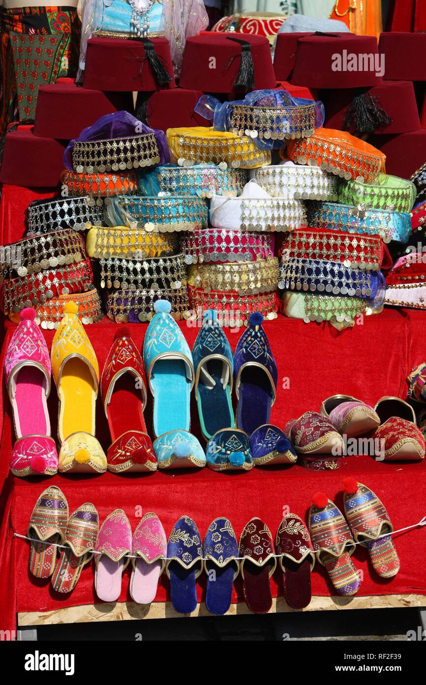 Souvenir Shoes Istanbul Turkey Stockfotos und bilder Kaufen
