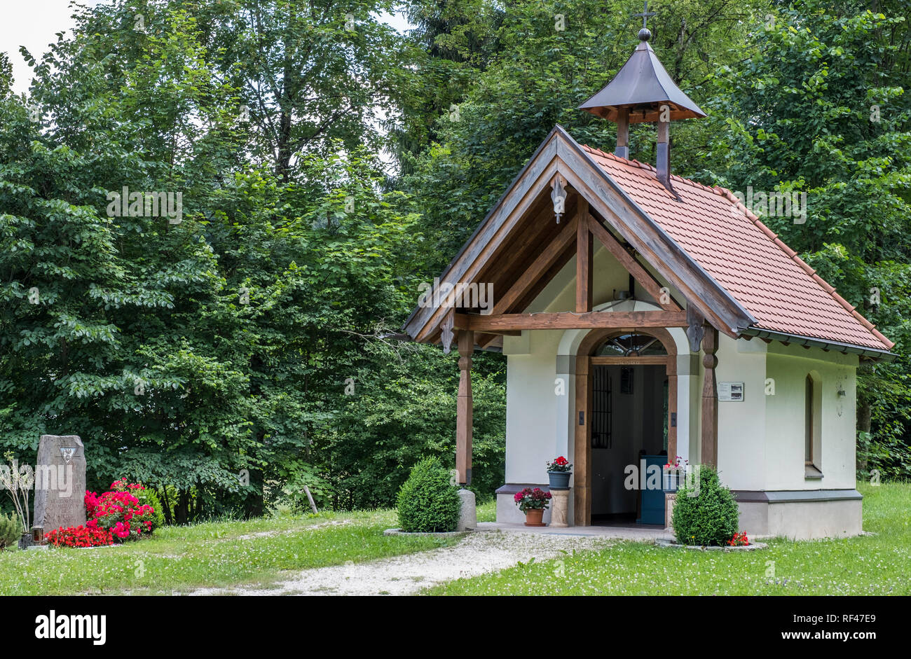 Bildstock oder Kapelle am Eisenartz, Oberbayern, Deutschland, Europa Stockbild