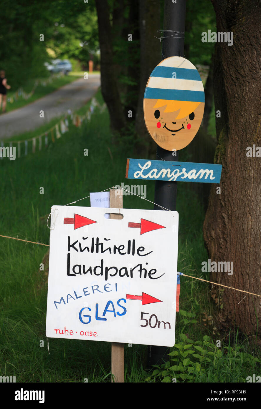 Klein Witzeetze, unterschreiben sie bei KLP, Wendland, Niedersachsen, Deutschland, Europa Stockbild