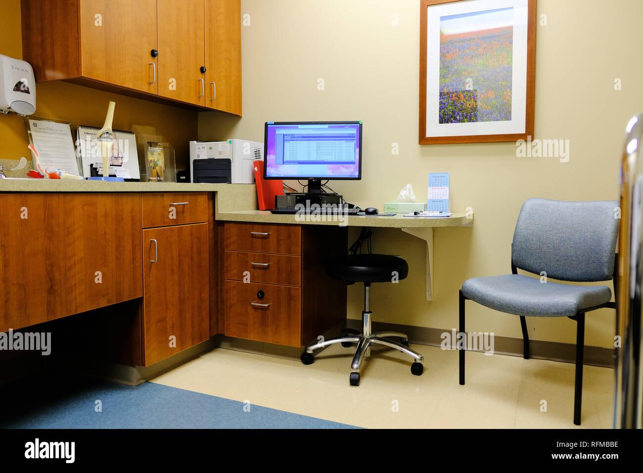 Innenraum von einem Orthopäden ohne Menschen. Stockbild