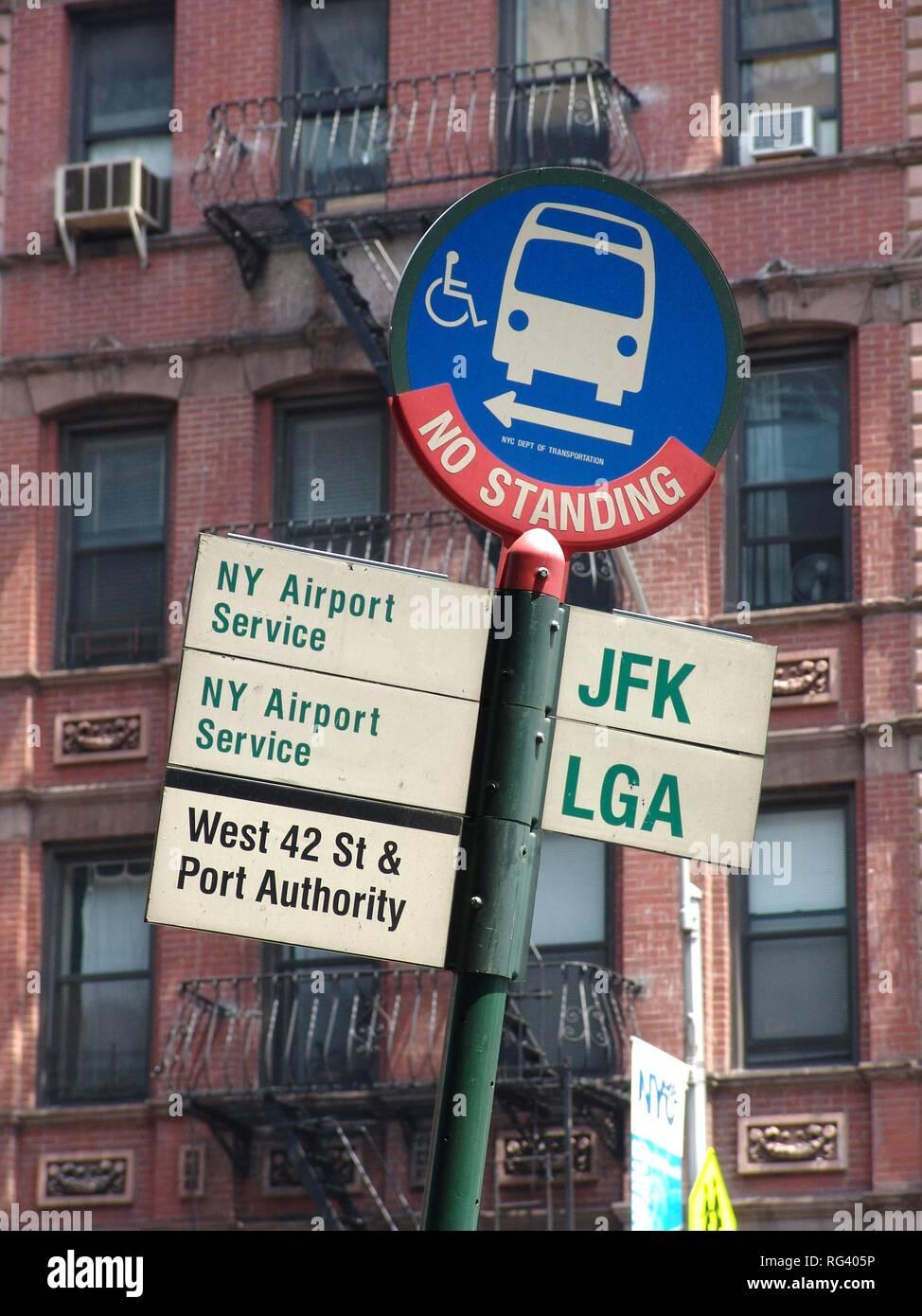 Usa Vereinigte Staaten Von Amerika New York City Bushaltestelle