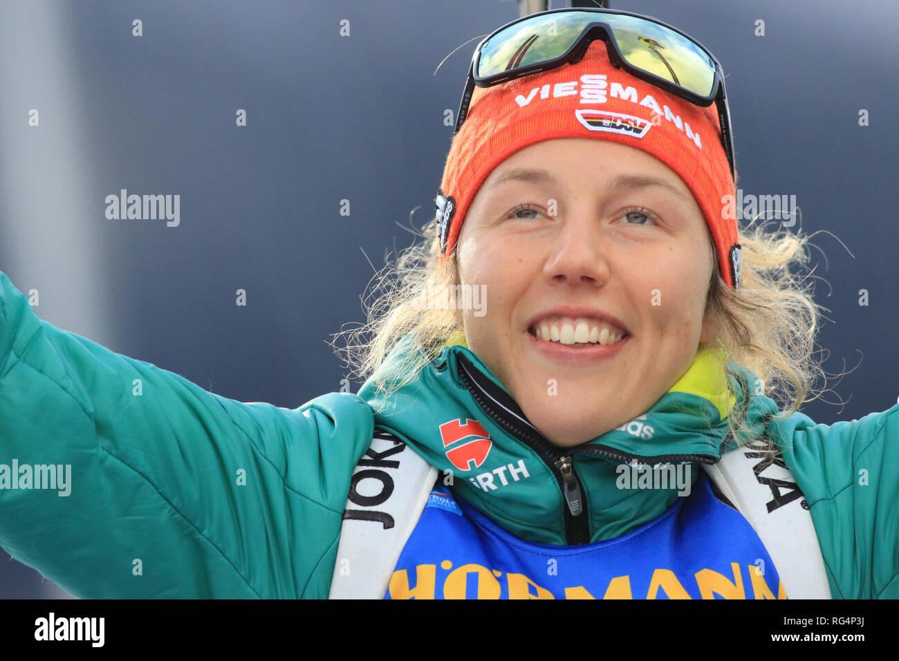 Antholz Antholz, Italien. 27 Jan, 2019. BMW Biathlon Weltcup, massenstart Frauen; Laura Dahlmeier (GER) feiert Credit: Aktion plus Sport/Alamy leben Nachrichten Stockbild