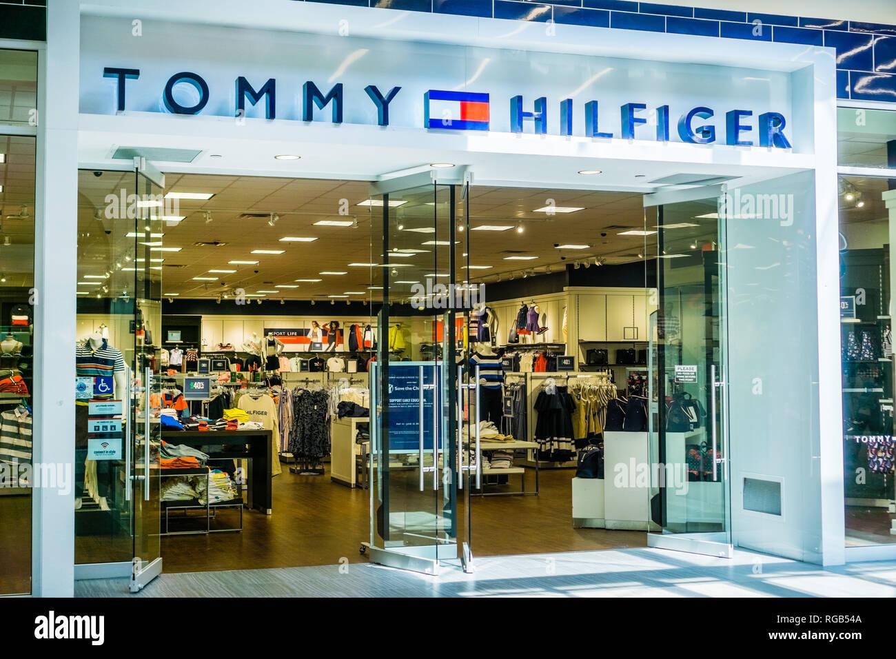 quality design f69ce b8f27 Juni 5, 2018 Milpitas/CA/USA - Tommy Hilfiger Store Eingang ...