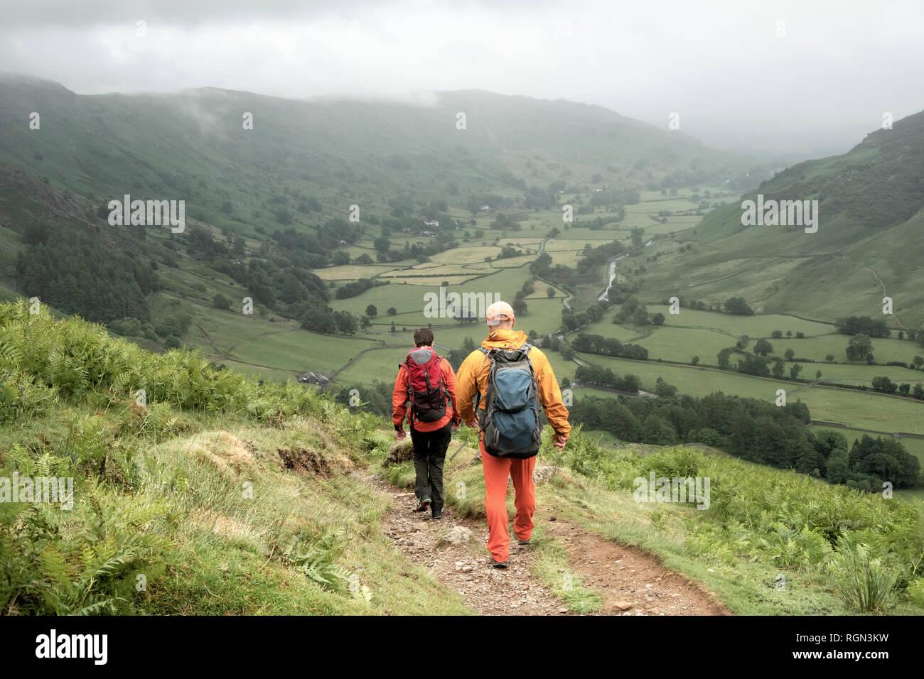 England, Langdale Valley, Gimmer Crag, Kletterer, Paar Stockfoto