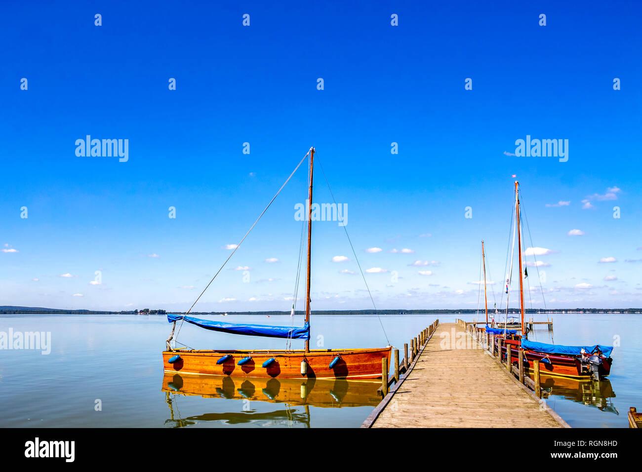 Deutschland, Steinhude, angelegte Boote am Steinhuder Meer Stockbild