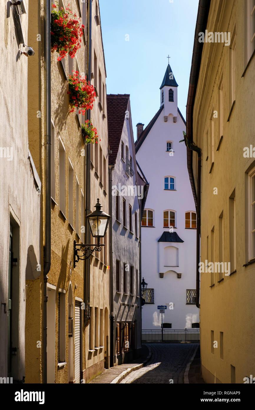 Deutschland, Bayern, Augsburg, Gasse und Häuser Stockbild