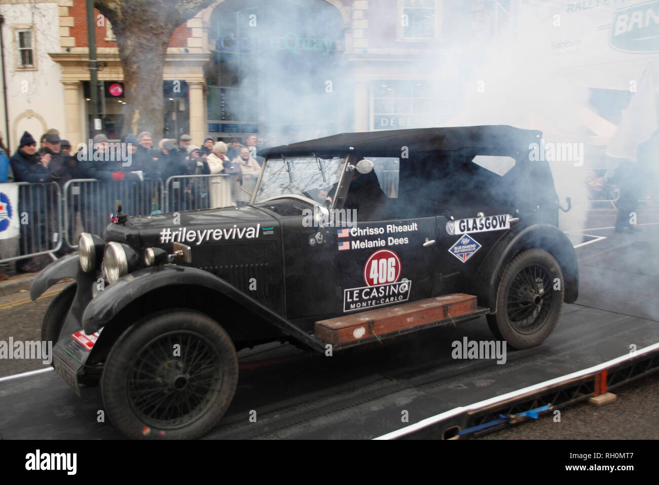 Banbury, Oxfordshire, UK. 31. Januar, 2019. Chrisso Rheault Fahrer und Navagator Melanie dees im Jahre 1931 Riley 9 Credit: MELVIN GRÜN/Alamy leben Nachrichten Stockbild