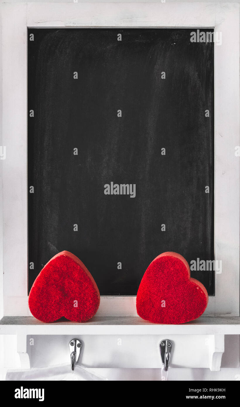 Blackboard vertikale Hintergrund Valentinstag schwarzes Brett leer gerahmt Stockbild