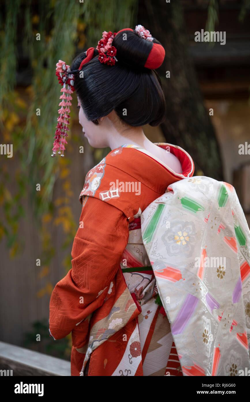 Eine Japanerin, die eine geisha Makeover, Kyoto, Japan gehabt hat. Stockbild