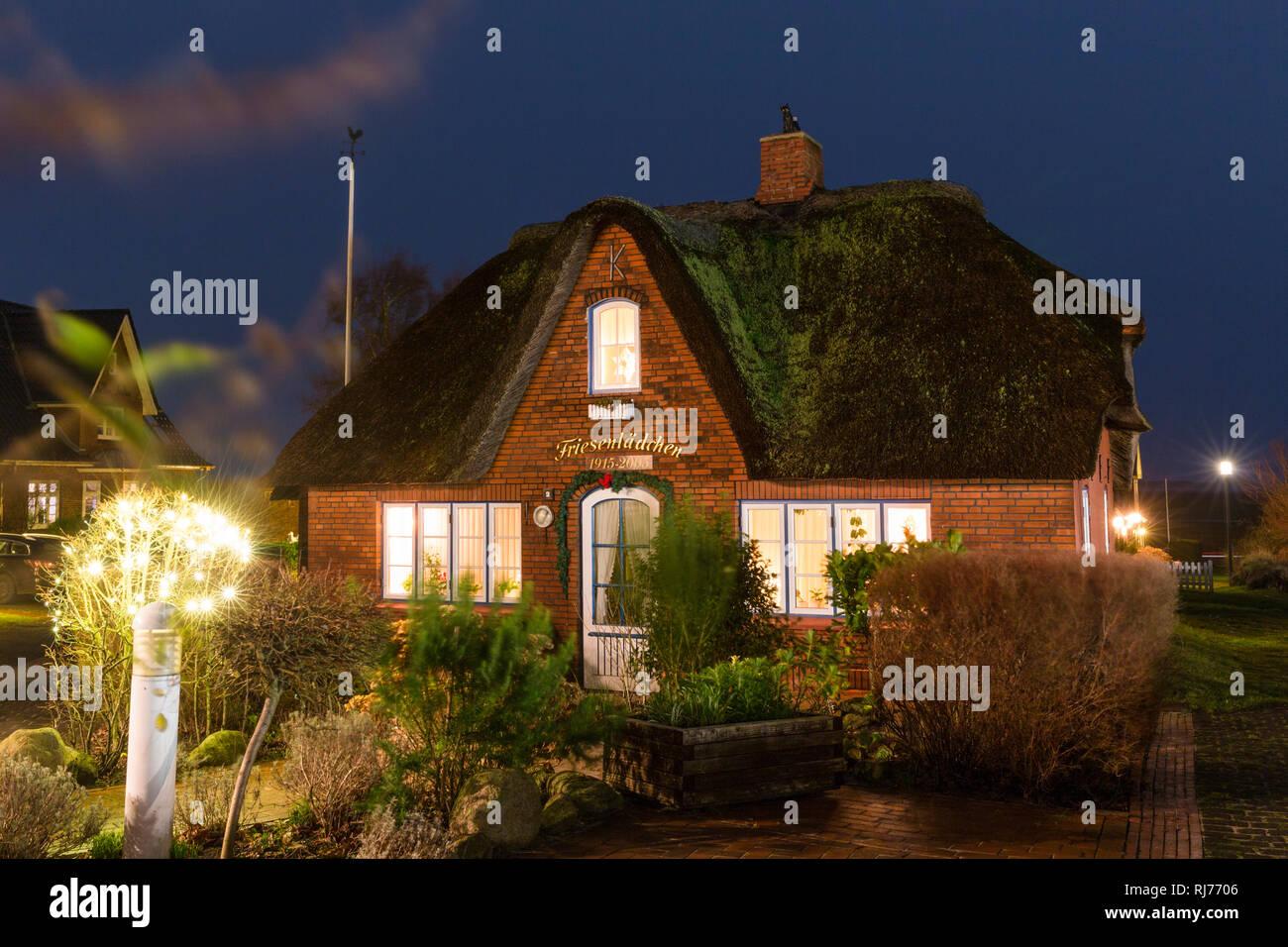 Deutschland, Norddeutschland, Amrum, Norddorf, Haus am Abend Stockbild
