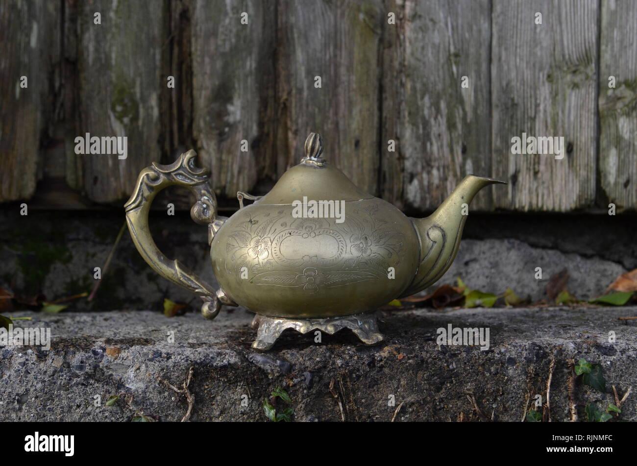 Alladyn, Lampe, Wasserkocher Stockbild