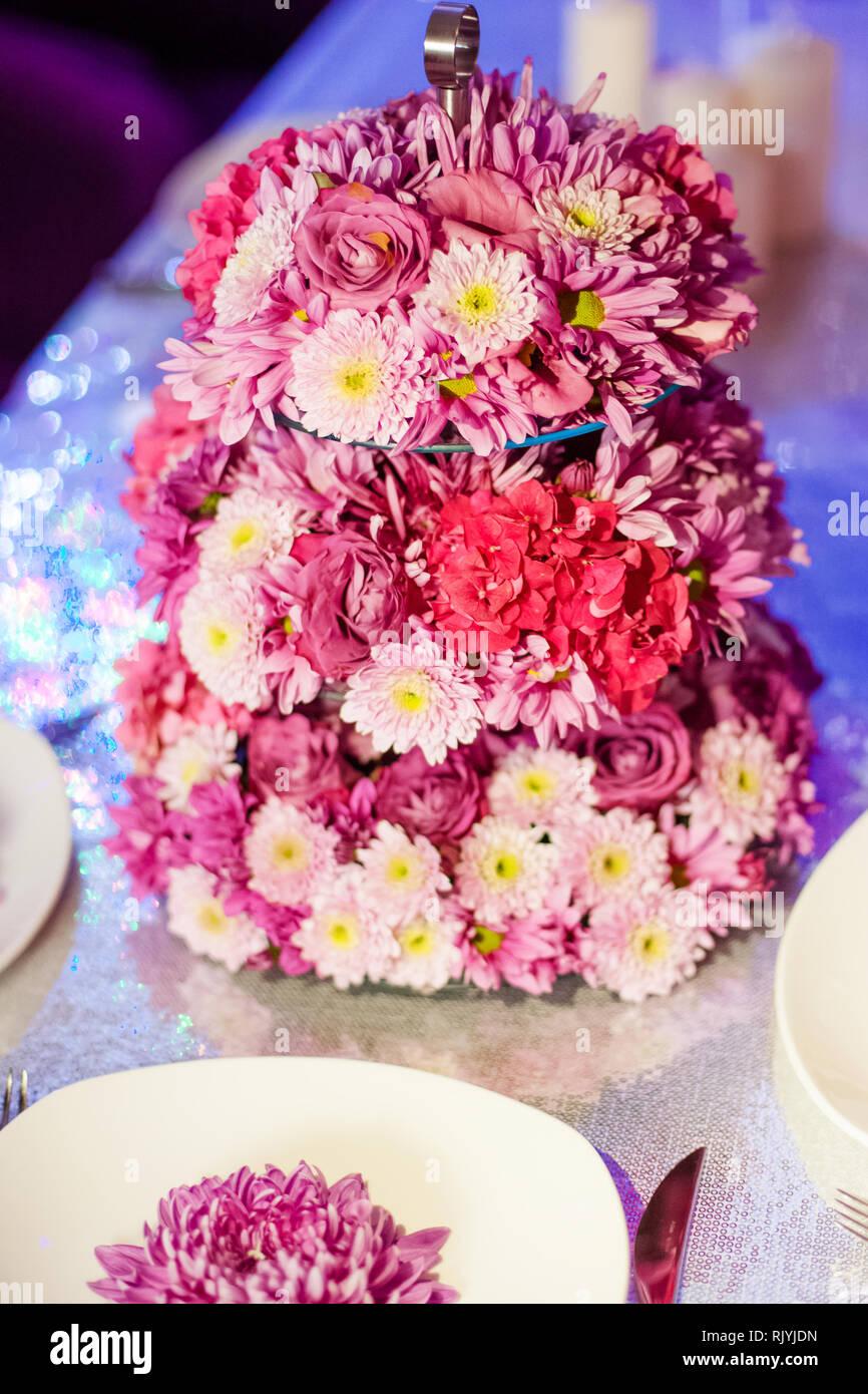 Hochzeit Tisch Blumen Auf Dem Tisch Rosa Pionen Und Wite