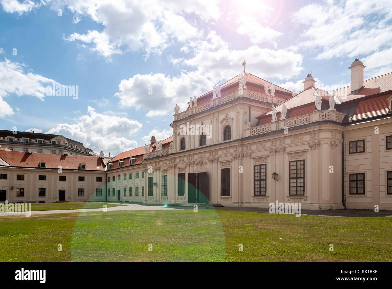 Palast der Unteren Belvedere in Wien, Österreich, Eingang, im Mittag Sonnenschein Stockfoto