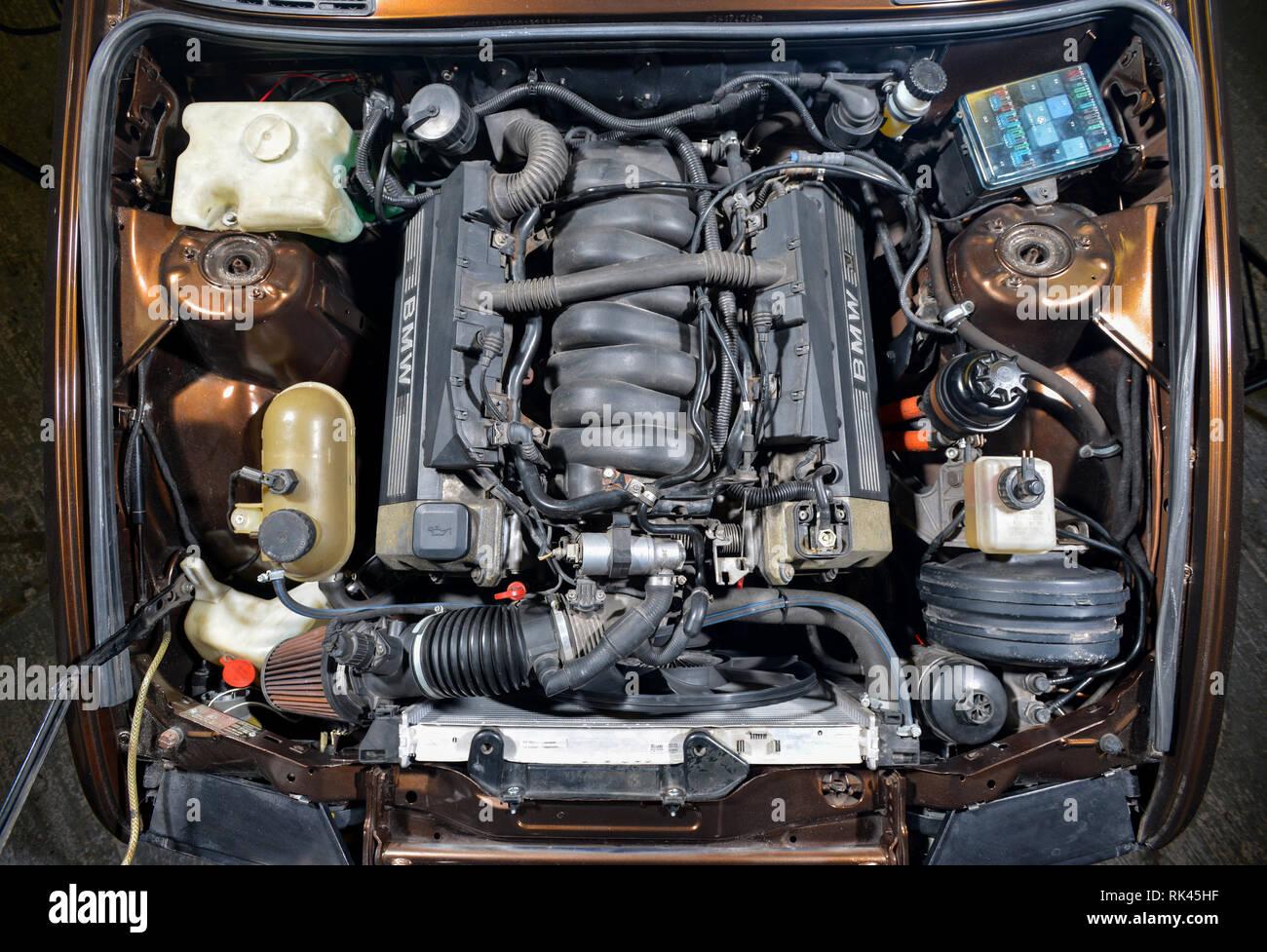Bmw E30 3er Cabrio Mit Einem V8 Motor Angepasst Stockfotografie Alamy