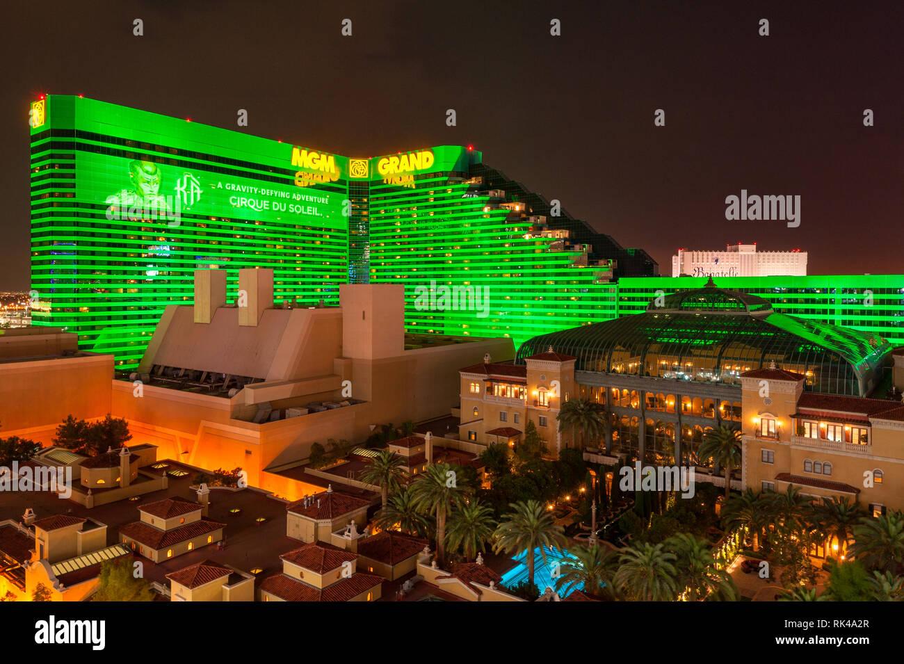 Hohe Betrachtungswinkel Auf Dem Mgm Grand Hotel Und Casino Auf Dem Strip Boulevard Las Vegas Nevada Usa Bei Nacht Stockfotografie Alamy