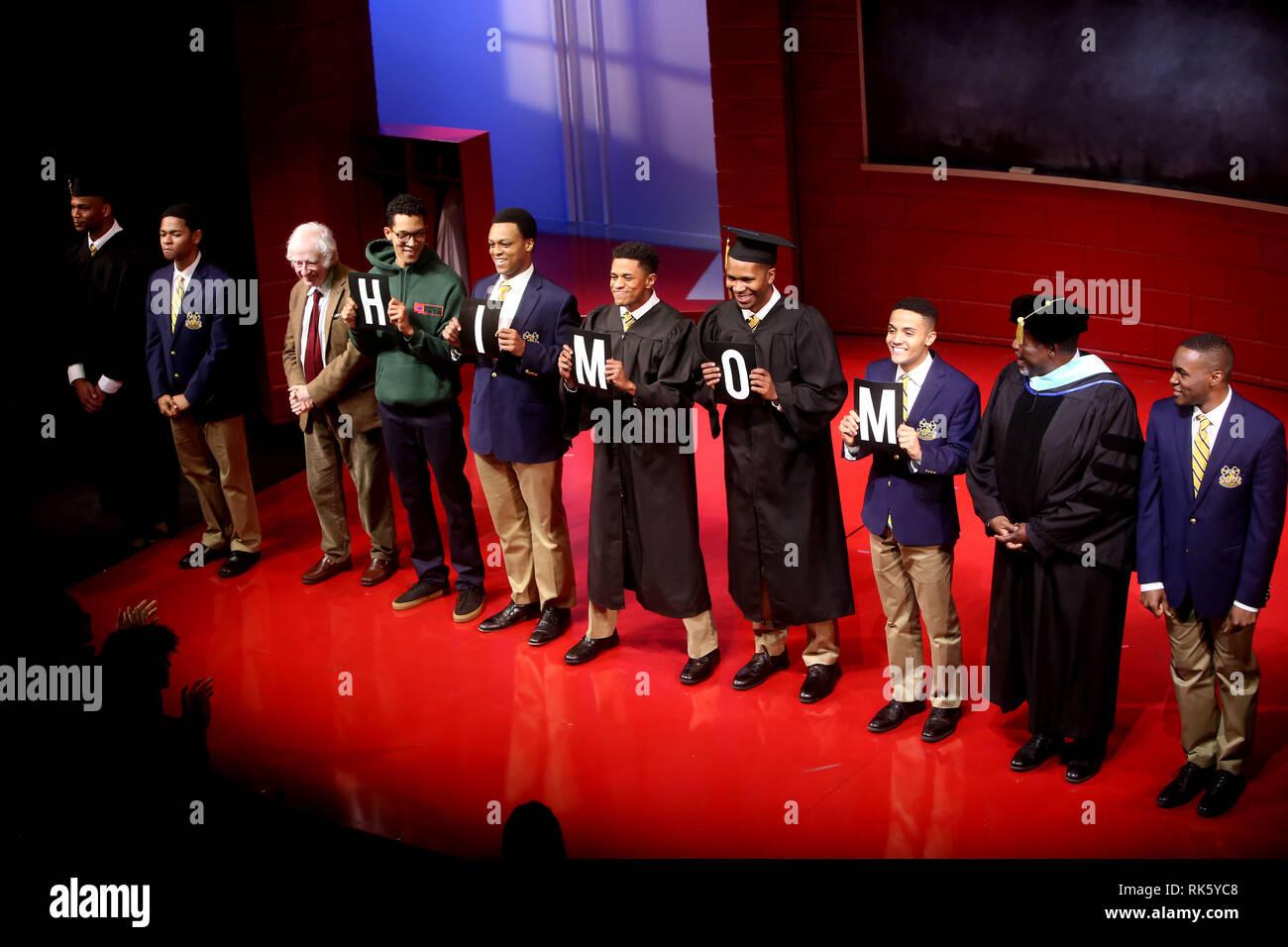 Offnung Nacht Des Chor Junge Am Samuel J Friedman Theater Curtain