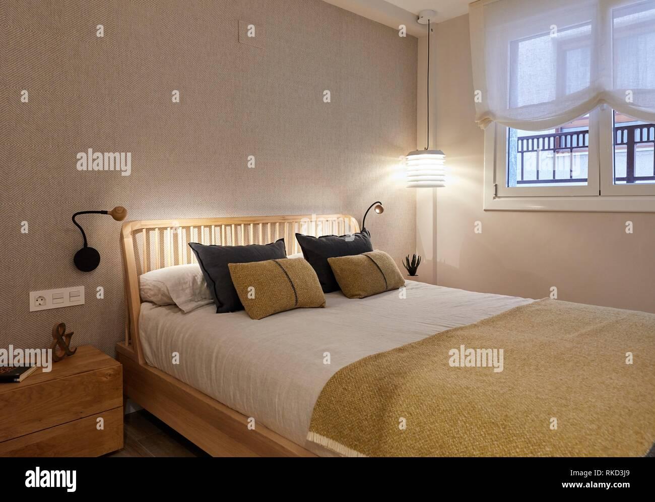 Schlafzimmer, Beleuchtung, Innenausstattung von Gehäuse, O-ati, Gipuzkoa, Baskenland, Spanien, Europa Stockbild