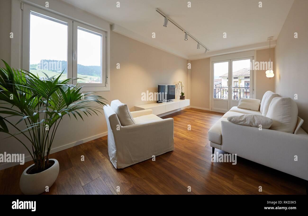 Wohnzimmer, Beleuchtung, Innenausstattung von Gehäuse, Oñati, Gipuzkoa, Baskenland, Spanien, Europa Stockbild