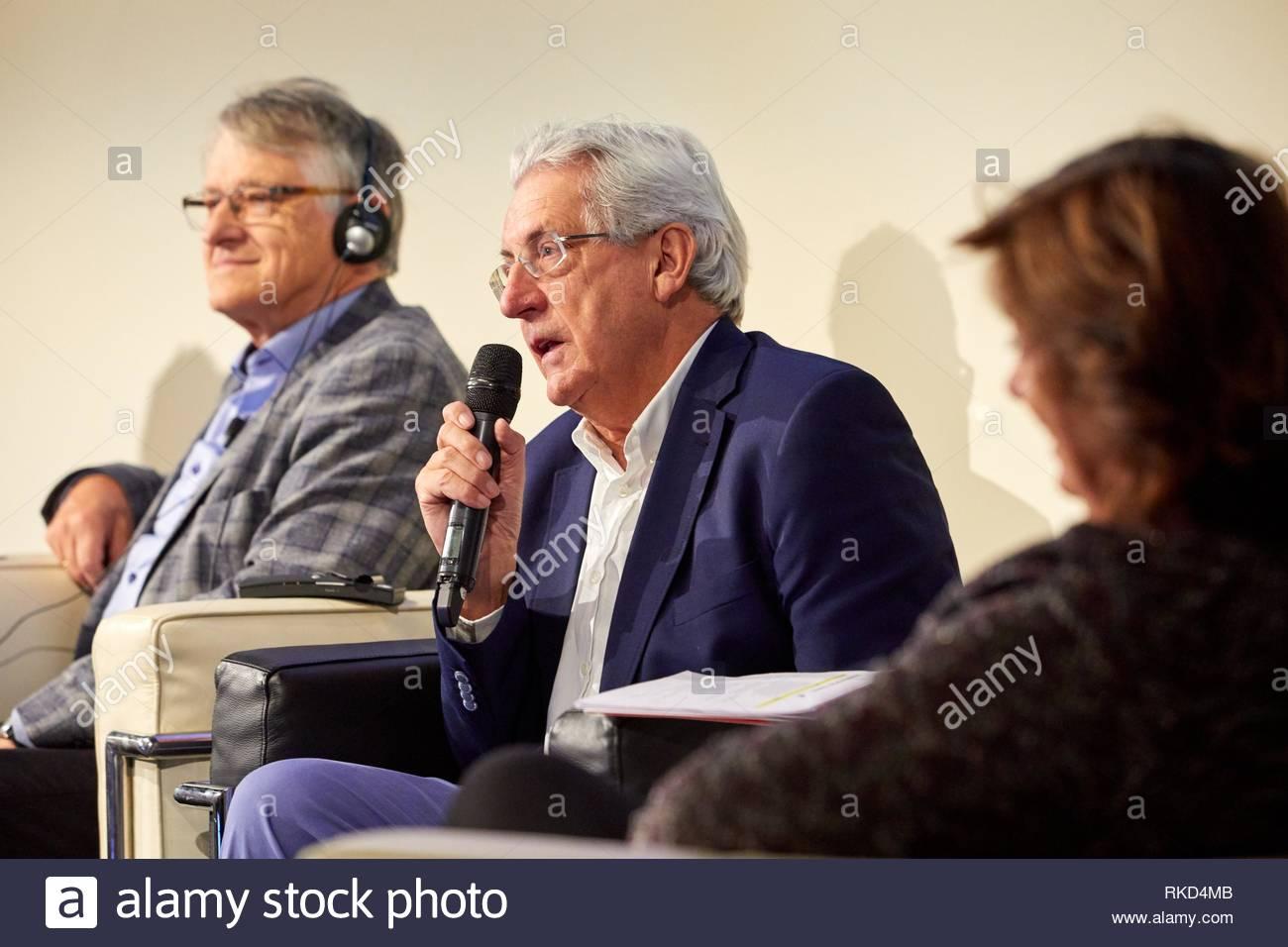"""Klaus von Klitzing (Nobelpreis für Physik im Jahr 1985), Mar'a Vallet-Reg"""" (König Jaime I Preis für Grundlagenforschung in 2018) und Pedro Miguel Echenique Stockbild"""
