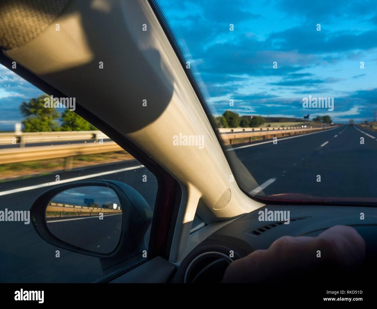 Spanien, Castilla Leon, Burgos, Fahren auf AI in der Nähe von Lerma. Stockbild