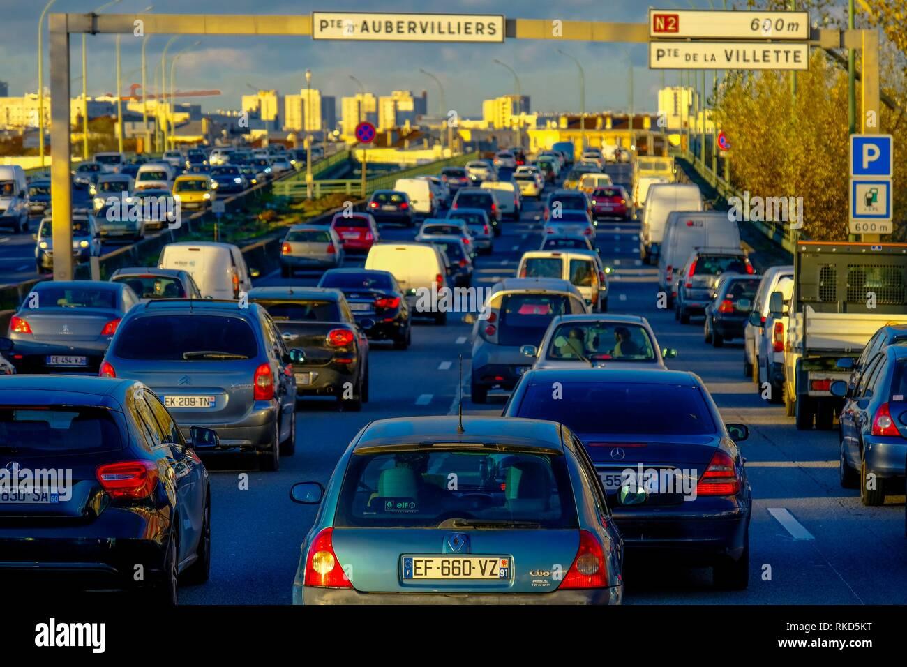 Frankreich, Paris, starker Verkehr am Nachmittag rund um Paris. Stockbild