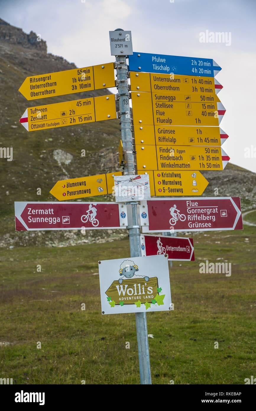 Ausflug von Blauherd Seilbahnstation zum Stellisee See. Zermatt. Schweizer Alpen. Wallis. Die Schweiz. Europa. Stockbild