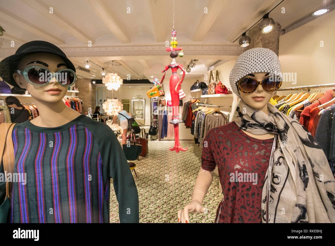 ea16c36189ab45 Fashion Spanish Shop Stockfotos   Fashion Spanish Shop Bilder - Alamy