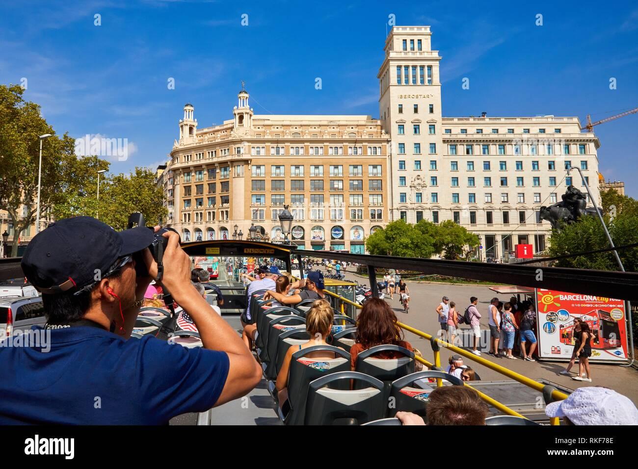 Touristen auf Bus, City Tour, Plaça de Catalunya, Barcelona, Katalonien, Spanien, Europa Stockbild
