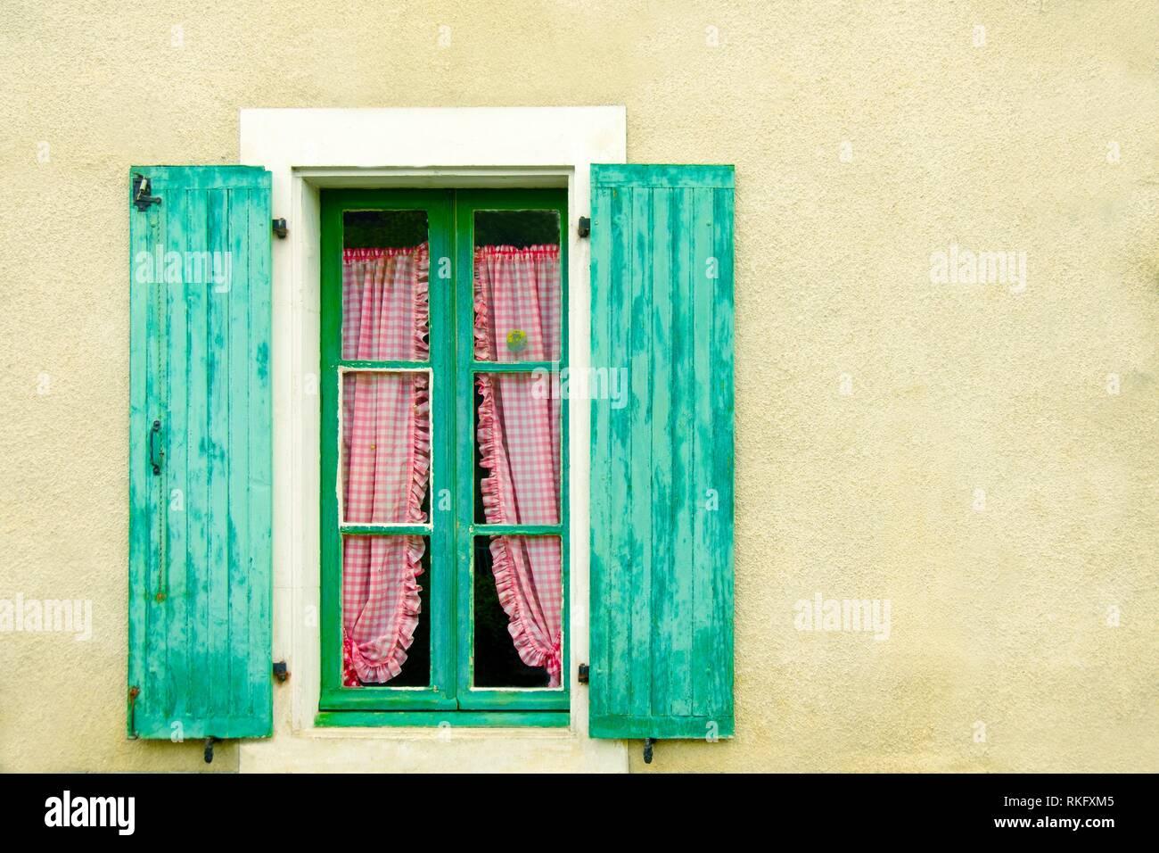 Frankreich, Royal, Haute Garonne, Dorf Fenster in Mazères sur Salat. Stockbild
