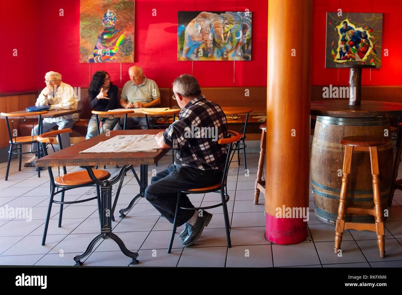 Frankreich, Royal, Haute Garonne, Café leben in Salies de Salat. Stockbild