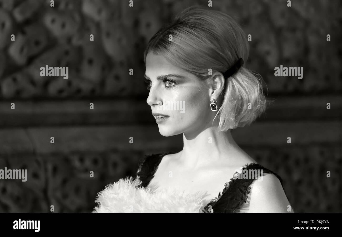 Feb 10, 2019 - Lucy Boynton Teilnahme an EE British Academy Film Awards 2019 - Alternative Ansicht, der Royal Albert Hall in London, Großbritannien Stockbild