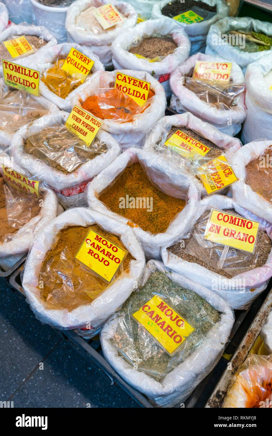 Beutel mit Gewürzen. Vegueta Markt, Vegueta Nachbarschaft, Las Palmas, Gran Canaria, Kanarische Inseln, Spanien, Europa. Stockbild