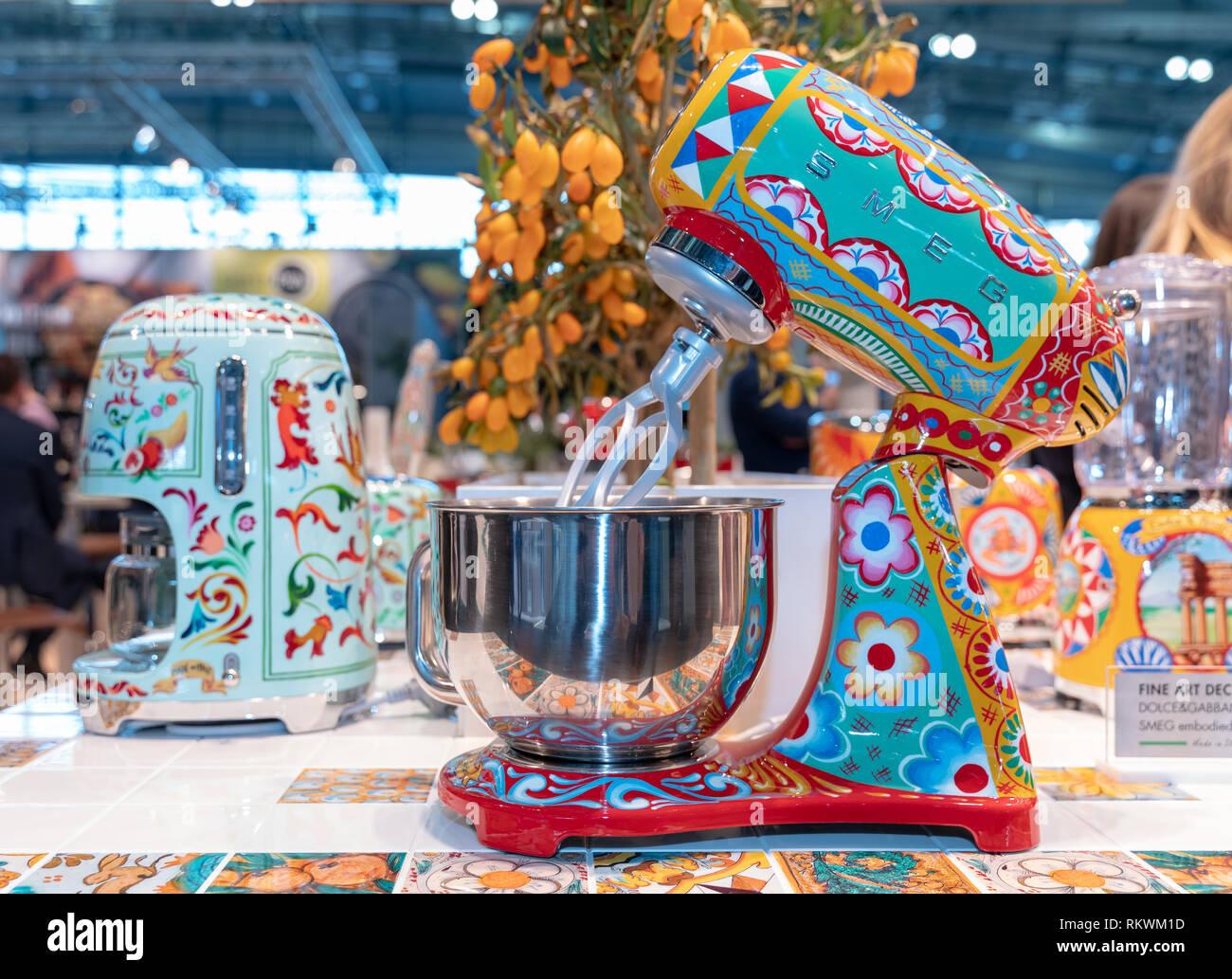 Smeg Kühlschrank Dolce Gabbana : Smeg stockfotos & smeg bilder alamy