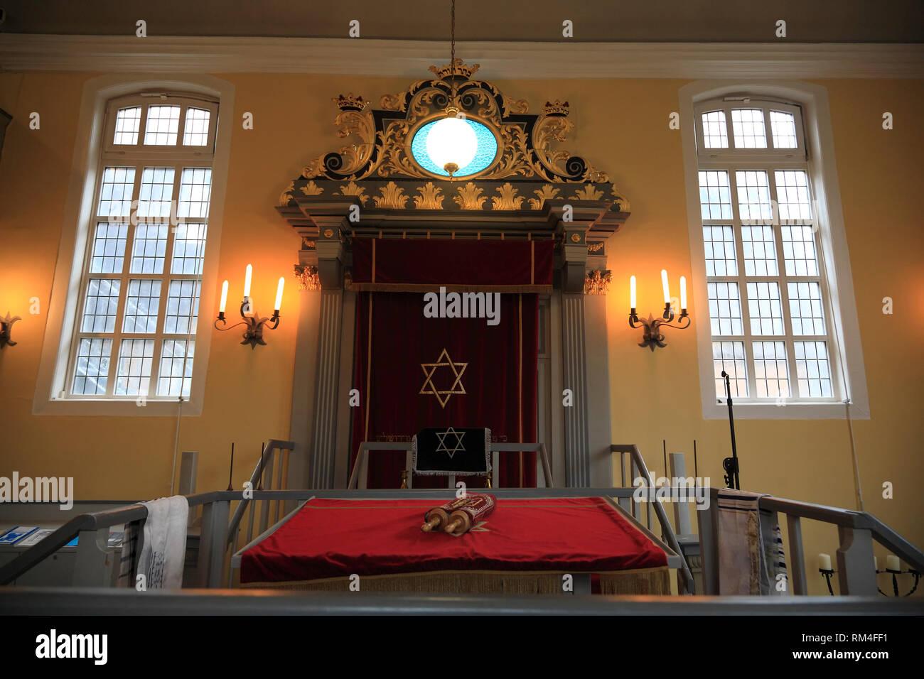 Synagoge innen mit Thora, Celle, Niedersachsen, Deutschland, Europa Stockbild