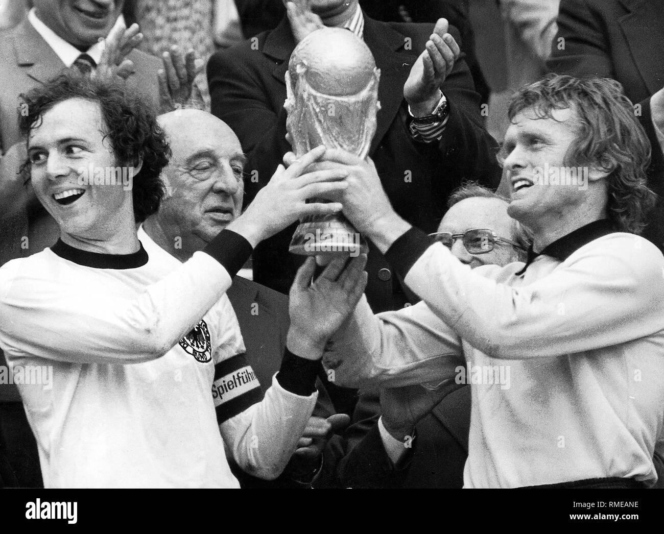 Nach Dem Finale Der Fifa Fussball Weltmeisterschaft 1974 Eine