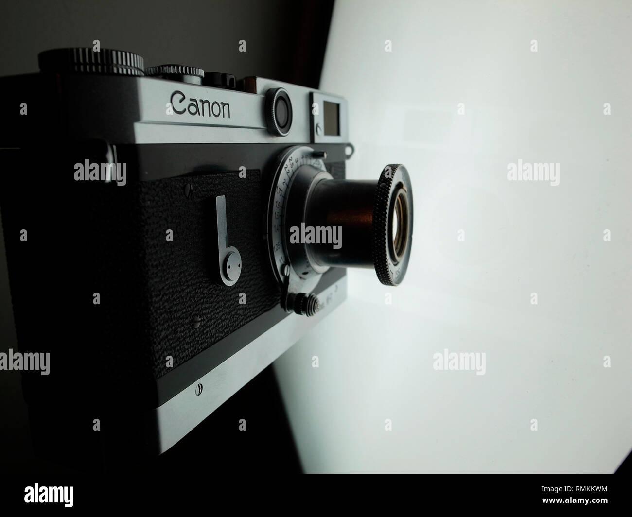 Rangefinder stockfotos & rangefinder bilder alamy