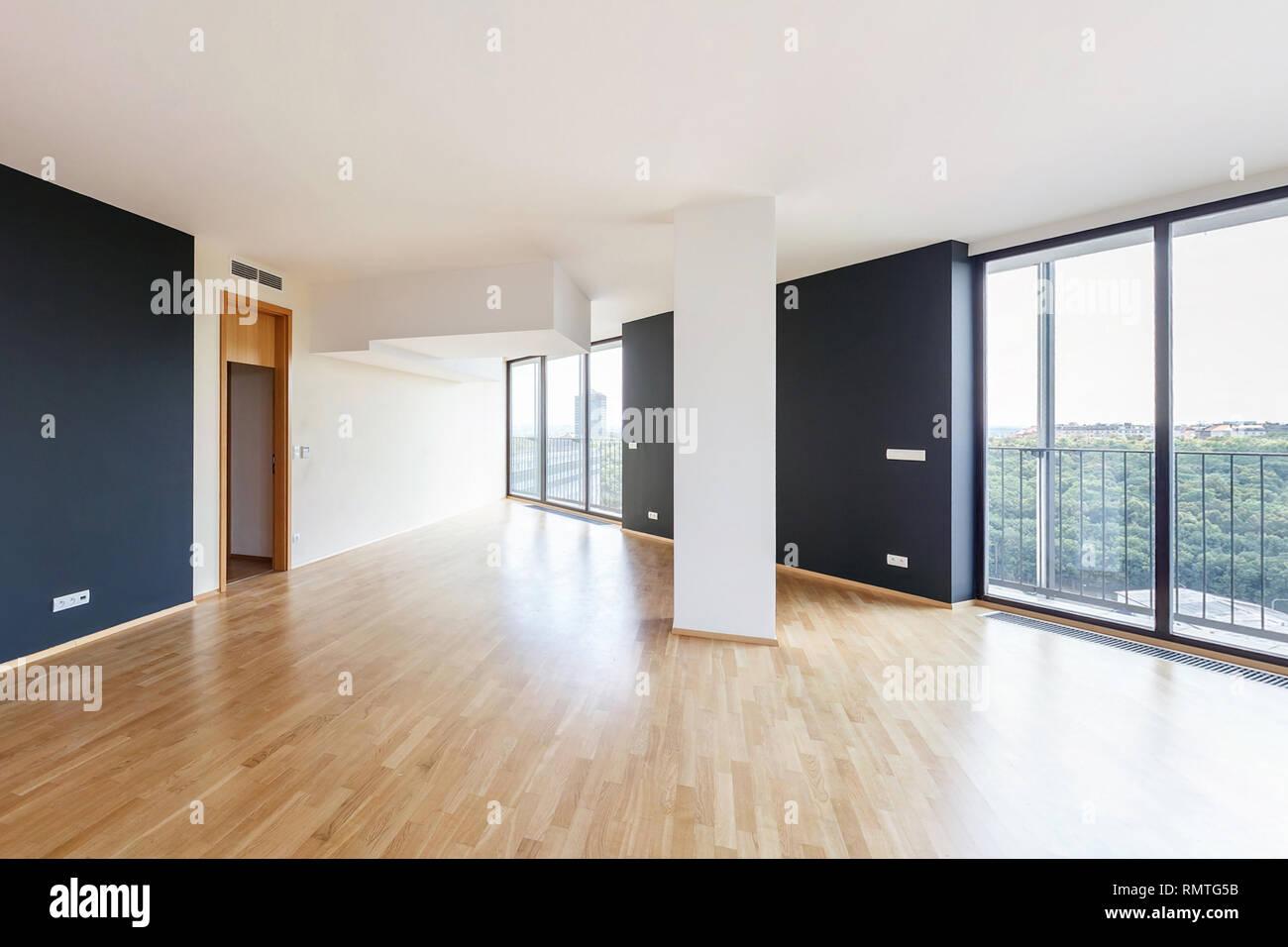 Moderne weiße Leere loft apartment Interieur mit ...