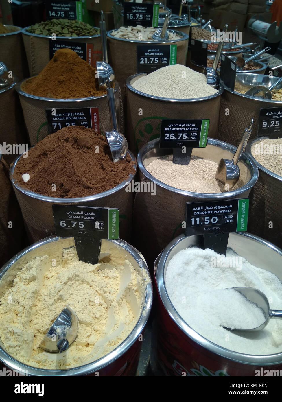 Dubai-Spices Pulver Eimer in Al Barsha Mall, 4 Stockbild