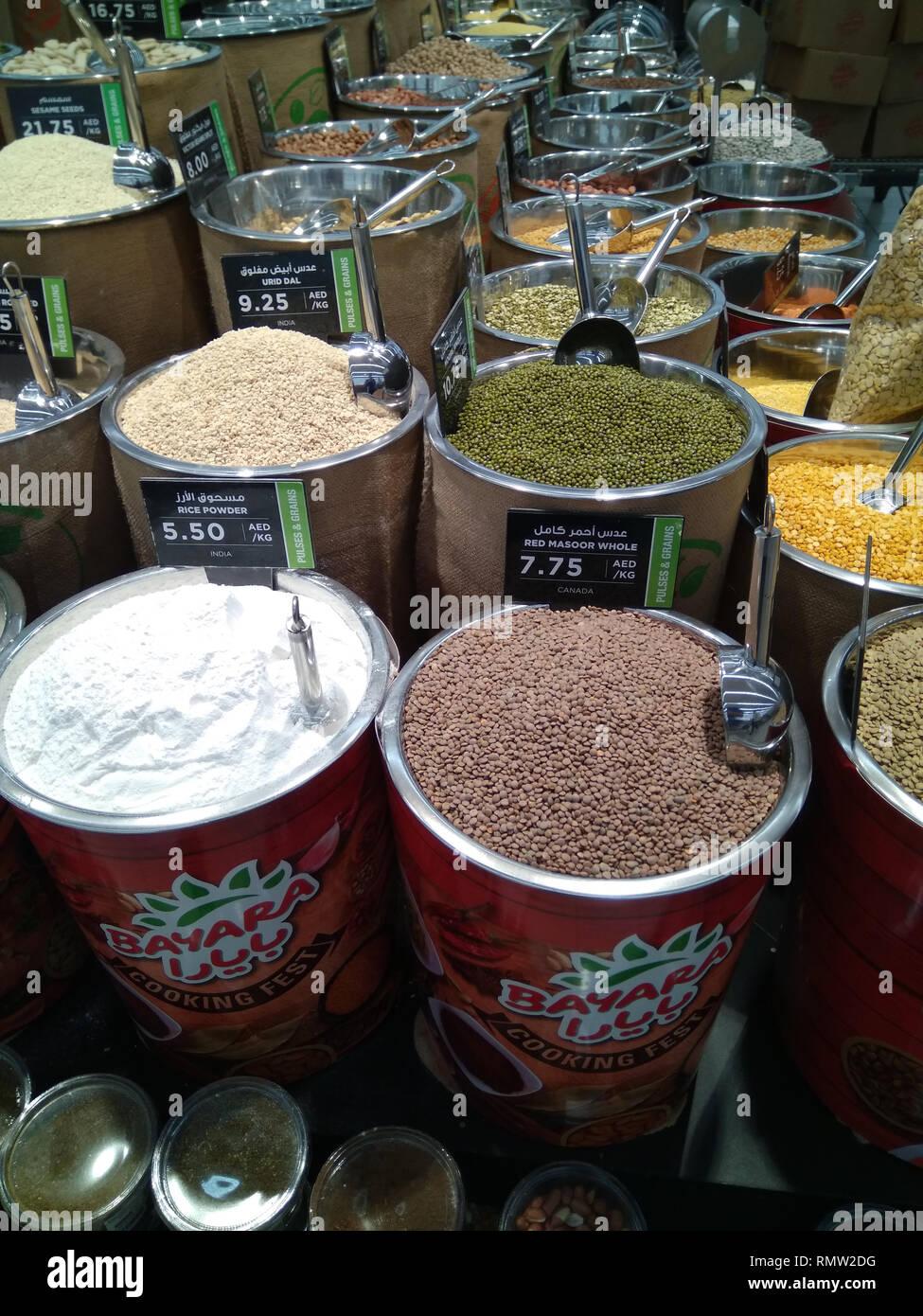 Dubai-Spices Pulver Eimer in Al Barsha Mall 5. Stockbild